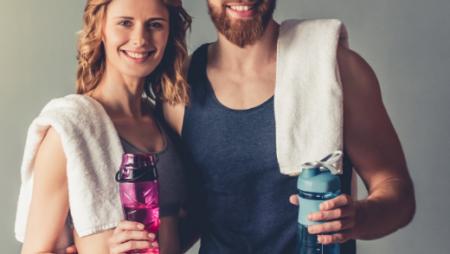 Gör din egen sportdryck för långa sommarresor